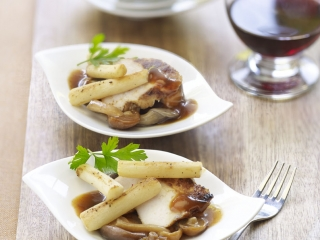 image of Chicken with forest mushrooms and crunchy salsify
