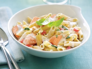 image of Penne with salmon and spinach